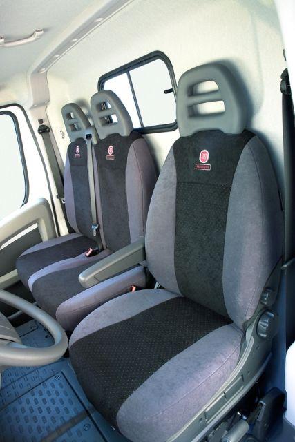 Sitzbezüge schwarz vorne KOS FIAT PUNTO 2
